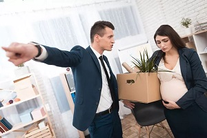 Могут ли уволить беременную по Права беременных женщин на работе могут ли уволить такую сотрудницу и на каких основаниях Увольнение с работы по совместительству